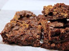 Oatmeal chocolate chunk cookie + brownie = sant. Kaka och brownie i ett, det kan bara inte bli fel.     Jag älskar kladdiga kakor. Jag gillar torra kakor också men inte alls på samma vis som…