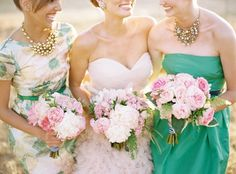 You know about mixing and matching bridesmaids dresses, but what about… - Wedding Party Bridal Musings, Mismatched Bridesmaid Dresses, Wedding Bridesmaids, Bridesmaid Bouquets, Wedding Bouquets, Green Bridesmaids, Bridesmaid Inspiration, Wedding Inspiration, Bridesmaids