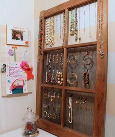 great jewelry organizing idea!