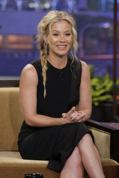 Christina Applegate at Jay Leno. by Jenny Cho. Gorgeous Hair, Gorgeous Women, Christina Applegate, Natural Women, Celebs, Celebrities, Girl Crushes, Her Hair, Hair Makeup