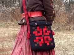 Ukrainian folk style shoulder bag with applique by TextileBijou