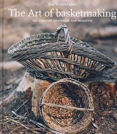 Included with this hardback book is an 18 minute DVD which focuses on the hand movements specific to Perigord baskets. It's a lovely look at the making of a Perigord by author, Eva Seidenfaden