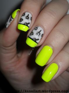 neon_yellow_stamped_nails