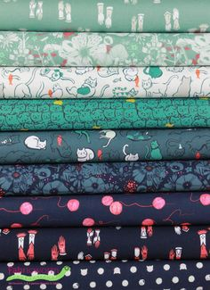 Fabricworm Giveaway: Fat Quarter Bundle of Cat Lady in Purr by Sarah Watts Textile Patterns, Textile Design, Fabric Design, Crafty Projects, Sewing Projects, Kitten Mittens, Hiding Spots, Thing 1, Gorgeous Fabrics