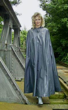 Raincoats For Women Long Sleeve Green Raincoat, Hooded Raincoat, Raincoats For Women, Jackets For Women, Clothes For Women, Capes, Rain Slicker Womens, Rain Cape, Plastic Pants