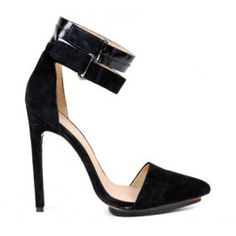 Nothing sexier than an ankle strap... a double anklestrap is even better. LAMB 40498