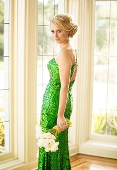 green and gold wedding color ideas 29