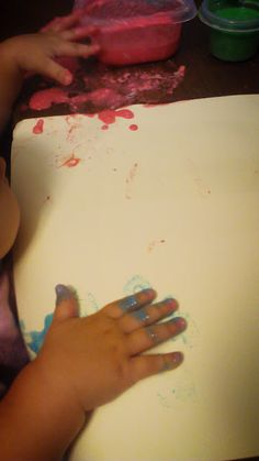 Easy recipe for non toxic edible finger paint! Fun infant activities.