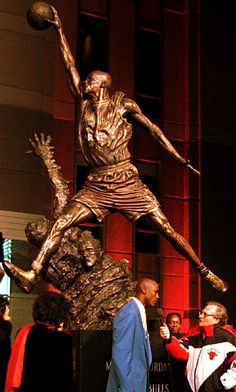 Michael Jordan Statue United Center His Airness Usc Basketball, Indoor Basketball Hoop, Basketball Pictures, Love And Basketball, Basketball Legends, Sports Pictures, Basketball Shooting, Sports Images, Jordan 23