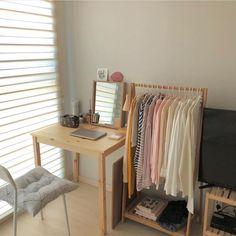 sunkissed — self_interior Room Design Bedroom, Room Ideas Bedroom, Home Decor Bedroom, Pastel Room, Minimalist Room, Pretty Room, Aesthetic Room Decor, Cozy Room, Apartment Interior