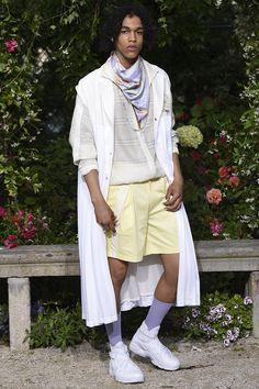 Pigalle presented its Spring/Summer 2017 collection during Paris Fashion Week. Vogue Paris, Pigalle Paris, Men Cream, Fashion Show, Mens Fashion, Paris Fashion, Gq Magazine, Afro Punk, Catwalk