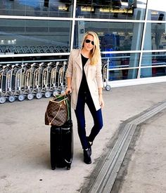 9 Things I'm glad I packed: 1.This burberry coat was the perfect weight for the chilly weather. 2. These Stuart Weitzman boots were so comfortable for walking the city. 3.This cross body bag fit everything I needed. 4. This DVF blazer was a great layering piece for evening. 5. My favorite sweatshirt kept me cozy and …