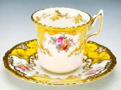 Coalport UK this Turkish Coffee Cups, Vintage Tableware, China Tea Cups, Teapots And Cups, Tea Service, My Cup Of Tea, Coffee Set, Deco Table, Tea Cup Saucer