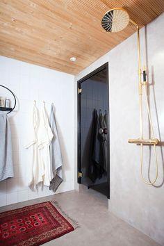 Annaleena Hämäläisen tunnelmallinen koti   Meillä kotona Bathroom Toilets, Bathrooms, Wardrobe Rack, Tiles, Mirror, Interior Design, Inspiration, Furniture, Koti