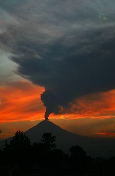 ✯ Volcano at Sunset