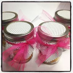 Cupcakes in a Jar Mason Jar Meals, Meals In A Jar, Mason Jars, Cake In A Jar, Dessert In A Jar, Cupcake Cakes, Cupcakes, Baby Cakes, Jar Recipes