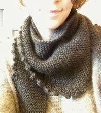 L'écharpe Minnie - La traduction en français - Coeur Pur à l'ouvrage Bonnet Crochet, Knitted Shawls, Needlework, Knitting, Handmade, Beret, Bandeau, Armoire, Angel