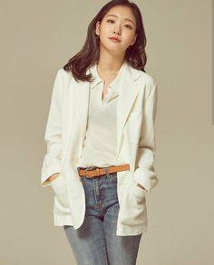 [Interview] Kim Go-eun Has Come a Long Way Since Her Rookie Year Hot Korean Guys, Korean Women, Korean Girl, Kim Go Eun Style, Kim So Eun, Korean Actresses, Korean Actors, Actors & Actresses, Kim Go Eun Goblin