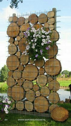 52 super Ideas for outdoor patio wall ideas privacy screens Rustic Landscaping, Garden Landscaping, Landscaping Ideas, Patio Ideas, Planting Bulbs In Spring, Garden Solutions, Garden Wall Art, Garden Walls, Building A Pergola