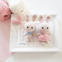 Crochet Rabbit Cute Bunny Couple Amigurumi Pattern - FREE amigurumi patterns and tutorials to make the cutest crochet toys. This crochet style is very easy and fun, and your kids will love you for it. Crochet Teddy Bear Pattern, Crochet Rabbit, Cute Crochet, Crochet Style, Crochet Patterns Amigurumi, Crochet Dolls, Easy Crochet Projects, Crochet Wedding, Chinese Patterns