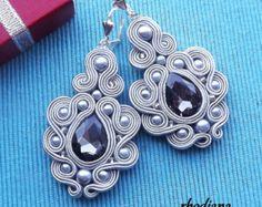 Items similar to Poppy Soutache Earrings on Etsy Soutache Necklace, Beaded Earrings, Handmade Felt, Handmade Jewelry, Soutache Tutorial, Macrame Jewelry, Wedding Hair Accessories, Beaded Embroidery, Etsy