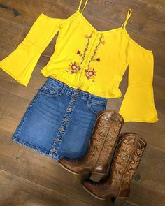 Casual Fall Outfits That Will Make You Look Cool – Fashion, Home decorating Cute Cowgirl Outfits, Cowboy Boot Outfits, Country Style Outfits, Southern Outfits, Rodeo Outfits, Preppy Outfits, Western Outfits, Western Wear, Fall Outfits