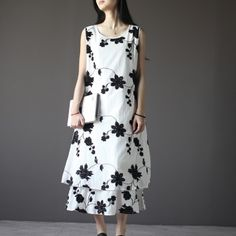 Layered embroideried flower sundress white linen summer dressThis dress is made of cotton linen fabric, soft and breathy, suitable for summer, so loose dresses to make you comfortable all the time.Measurement: Size S length 117cm / 45.63