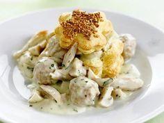Vol-au-vent 'grand-mère' - Libelle Lekker Belgium Food, Pasta Alfredo, Good Food, Yummy Food, Go For It, Dutch Recipes, Dinner Party Recipes, Everyday Food, Kraut