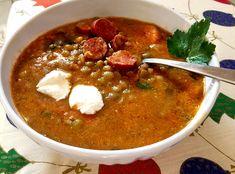 Szerencsehozó, de nem csak az újév első napján jó tálalni ezt a gyorsan elkészülő finom, forró levest.