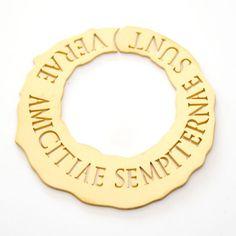 """Cerchio Libella """"Verae amicitiae sempiternae sunt"""" - Le vere amicizie sono eterne.  Argento 925 satinato giallo    #argento #orecchini"""