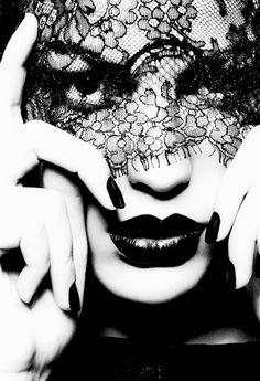 cameron russell  by ben hassett (portrait voile noir dentelle) black lace veil - schwarz spitze