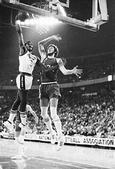 "David Thompson on Bill Walton When you think of the evolution of great dunkers and I ask, ""Who was the high-flying former ABA great that came before Michael Jordan?(Read more) Bryant Basketball, Kentucky Basketball, Basketball Legends, College Basketball, Basketball Players, Duke Basketball, Kentucky Wildcats, Wolfpack Basketball, Netball"