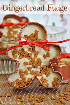 Not a cookie, buuut- Gingerbread Fudge Recipe ~ has all the spices that can be found in gingerbread. For a unique gift, fill gingerbread cookie cutters with the gingerbread fudge and give as a gift or party favor Christmas Gingerbread, Christmas Sweets, Christmas Cooking, Christmas Goodies, Christmas Candy, Gingerbread Cookies, Xmas, Christmas Cookies Unique, Christmas Crafts