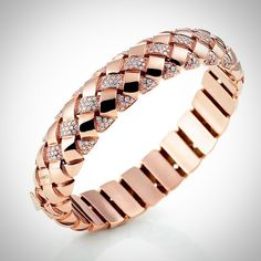 The new bangle bracelet from GARAVELLI in rose gold and white diamonds