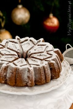 Cranberries and Almonds Spicy Holiday Bundt Cake #recipe #baking #winter #christmas