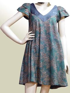Batik dress would be great as a maxi African Print Dresses, African Print Fashion, African Fashion Dresses, African Dress, African Attire, African Wear, Batik Fashion, African Traditional Dresses, Short Gowns