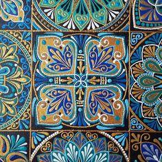 Dot Art Painting, Mandala Painting, Mandala Art, Iranian Art, Dots Design, Pointillism, Ceramic Decor, Tile Art, Vintage Patterns