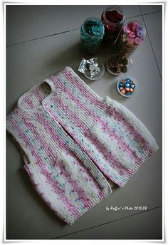 Diy Crafts - Ravelry: Andrea Vest (simple) pattern by Barbara Ajroldi Knitting For Kids, Baby Knitting Patterns, Baby Patterns, Hand Knitting, Crochet Baby Cardigan, Baby Girl Crochet, Diy Crafts Crochet, Crochet Projects, Baby Vest