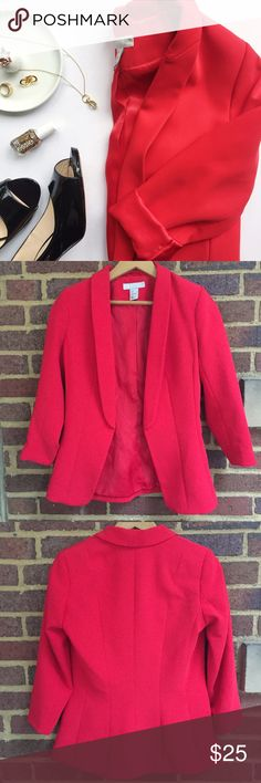 """H&M Blazer Beautiful bright red blazer that is perfect for those holiday parties. 3/4 length sleeves that measure 13"""" armpit to cuff. Light shoulder pads for a structured look. 25"""" shoulder to hem.   🚫Trades / Lowball ✨Reasonable Offers Welcome 💰Bundle Discount Offered  📬 Ships in 1-2 Days H&M Jackets & Coats Blazers"""