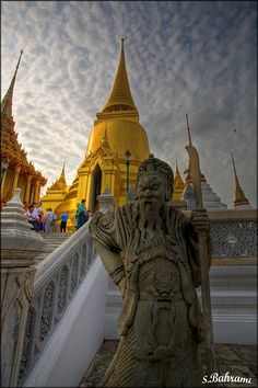 Bangkok, Thailandia - Wanna stand at this spot and snap a pic myself.. x