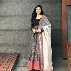 Check out the prettiest anarkalis suits and gowns in South Indian style from a very famous brand called Style diva label. Long Dress Design, Stylish Dress Designs, Stylish Dresses, Designer Anarkali Dresses, Designer Dresses, Salwar Dress, Cotton Saree Blouse Designs, Frock For Women, Trendy Sarees