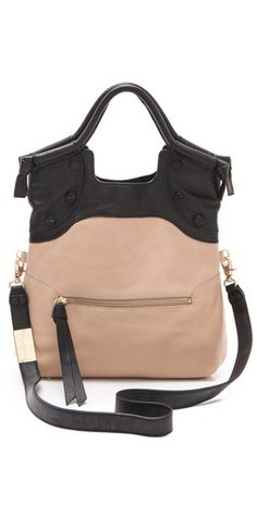 Definitely the perfect everyday bag. Love how it folds over too for a clutch-like look!