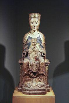 Virgen románica. Mare de Déu amb el Nen. Siglo XII. San Millán de Puentedura (Burgos). Museo Frederic Marés