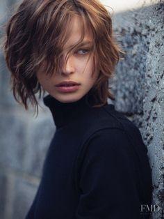 Photo of Dutch fashion model Birgit Kos. New Hair Do, Great Hair, Short Wavy Hair, Short Hair Styles, Short Bob Hairstyles, Cool Hairstyles, Haircuts, Hair Inspo, Hair Inspiration