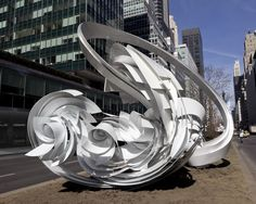 Alice Aycock, Hoop-‐La (Park Avenue Paper Chase) (2014). The sculpture is currently installed at 53rd street on Park Avenue.