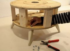 How To Install Wooden Furniture Legs Like a Professional Furniture Projects, Furniture Making, Office Furniture, Furniture Decor, Wood Projects, Wooden Furniture Legs, Painted Furniture, Diy Pouf, Wooden Sofa Designs