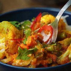 Malabar Cauliflower Curry : vegangifrecipes
