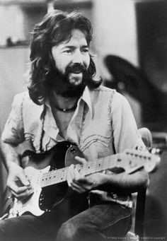 Absolutely love Eric Clapton & this is such a good picture… Rock Music, My Music, Music Stuff, Music Songs, Eric Clapton Blues, Eric Clapton Guitar, Tears In Heaven, John Mayall, The Yardbirds
