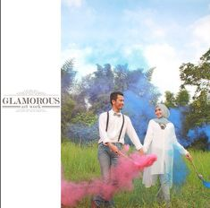 glamorous photography smoke bomb ideas prewedding / engagement