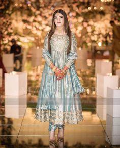 Walima Dress, Shadi Dresses, Pakistani Formal Dresses, Pakistani Fashion Party Wear, Pakistani Wedding Outfits, Pakistani Wedding Dresses, Pakistani Dress Design, Bridal Outfits, Pakistani Frocks